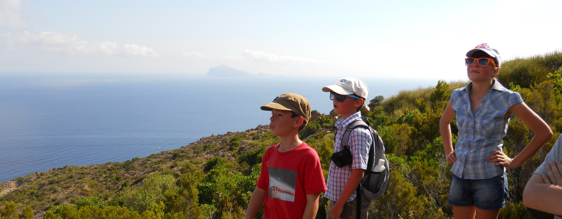 Walking on Sicily with the children
