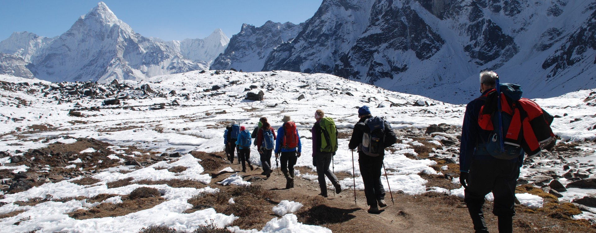 Trekking towards Ama Dablam