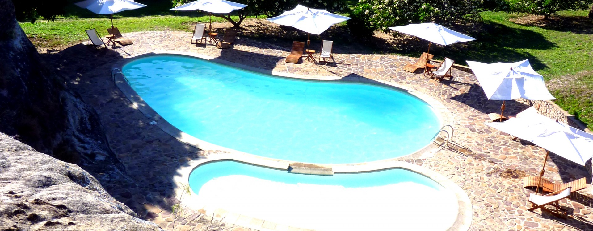 Swimming pool, accommodation Isalo National Park